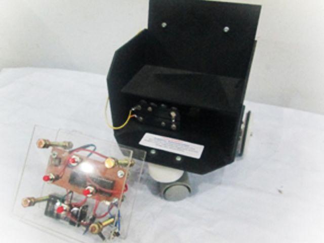 Rancang bangun alat pengontrol kursi roda untuk penderita lumpuh dengan sistem pengendalian jarak jauh menggunakan remote control