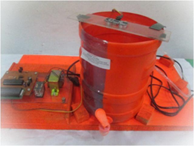 Alat pendeteksi batas air pada tangki