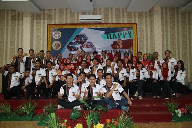Kemeriahan Acara Ulang Tahun Himpunan Mahasiswa Sistem Informasi STMIK Triguna Dharma yang ke-3
