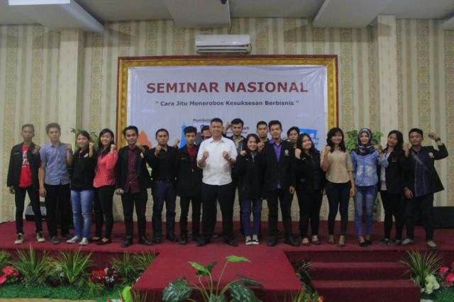 Kegiatan Seminar Kewirausahaan oleh Badan Eksekutif Mahasiswa  STMIK Triguna Dharma