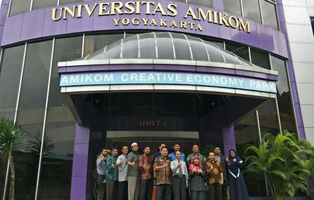 PENANDATANGANAN MOU STMIK TRIGUNA DHARMA DENGAN UNIVERSITAS AMIKOM D.I Yogyakarta